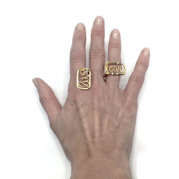 anello con scritta