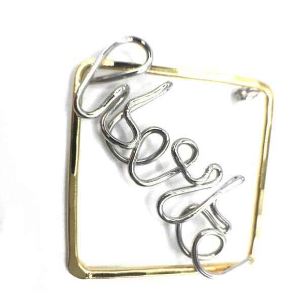orecchini scritta